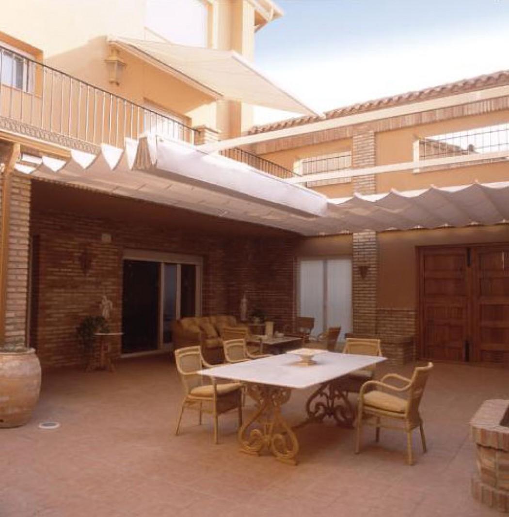 Instalacion de toldos y pergolas aluminios sanz madrid for Toldos cerramientos terrazas
